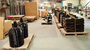 industrial lampshades enameled at packaging